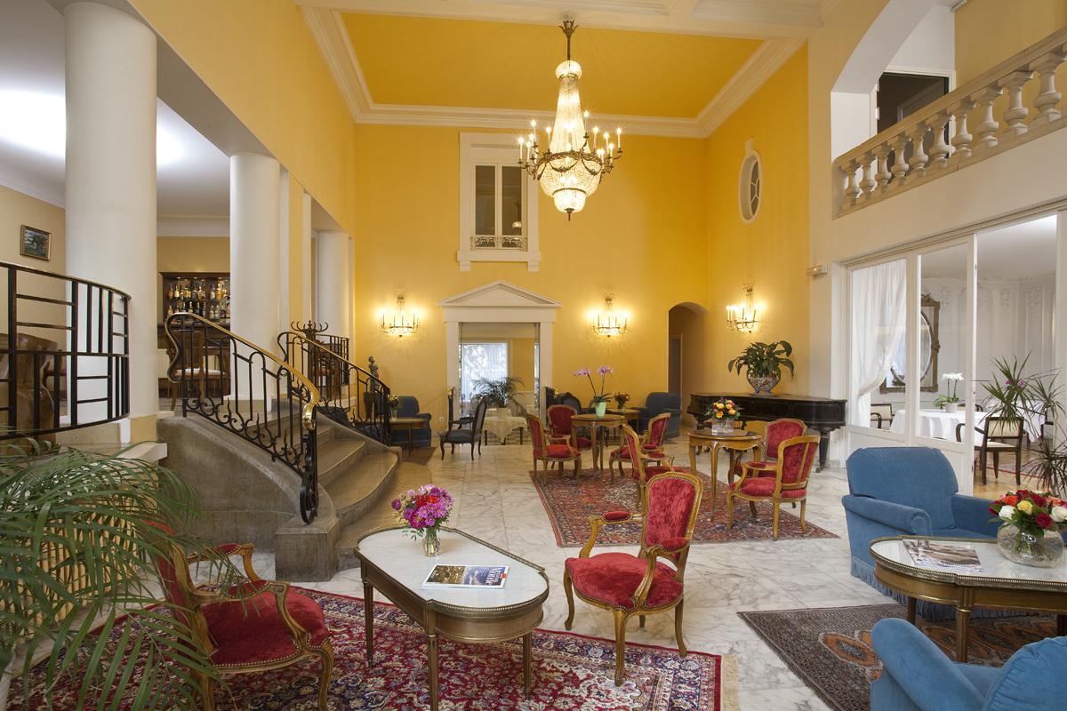 Chambre h tel de charme clermont ferrand royal saint mart for Hotel clermont ferrand avec piscine
